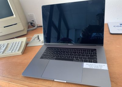 USED 15in MacBook Pro 2018 2.9Ghz 6 Core i9 16GB Ram 256GB SSD Space Gray