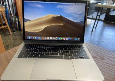 USED 2016 MacBook Pro 13inch 2Ghz i5 8GB 128GB SSD
