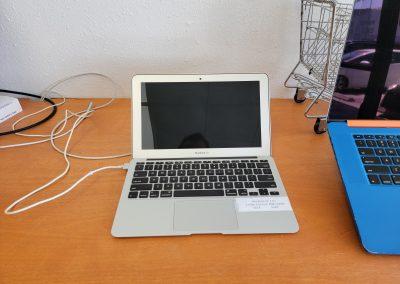 USED 2013 MacBook Air 13in 1.3Ghz i5 4GB Ram 256GB SSD