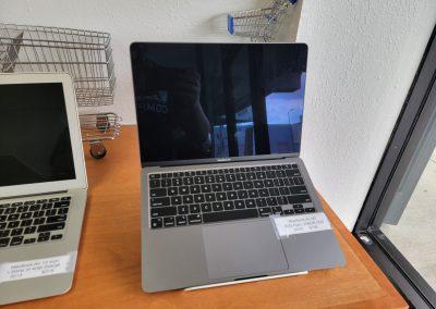 USED 2020 MacBook Air 13in M1 8GB Ram 256GB SSD