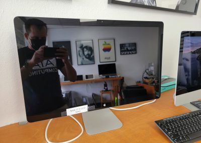 USED Apple 27 inch lcd